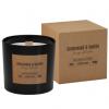 Dišeča sveča z lesenim stenjem